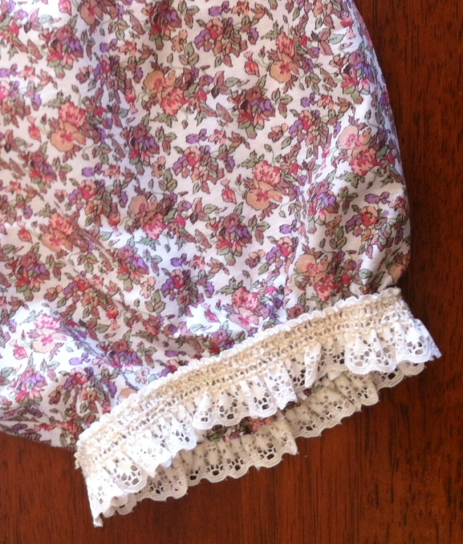 Vintage elastic lace was added using a zig zag stitch...